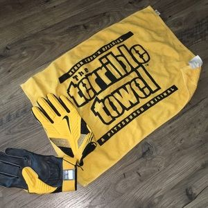 Pittsburgh Steelers terrible towel and NFL Gloves